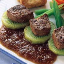 Beef Steak with Apple and Kiwi Sauce