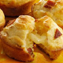 Tunnel of Cheese Muffins with Bacon