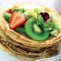Fresh Fruit Crêpes with Kiwifruit Sauce