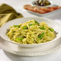 Thin Spaghetti with Pesto and Green Beans