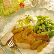 Pork Chops with Caramelized Apples