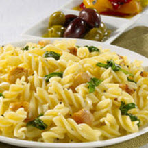 Mini Fusilli with Creamy Spinach and Chicken