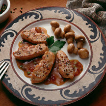 Peppered Turkey Medallions with Chutney Sauce