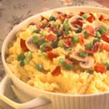 Cheesy Grits with Mushrooms and Peppers