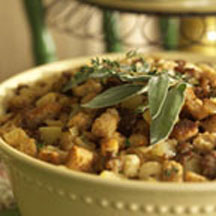 Sausage and Apple Bread Stuffing